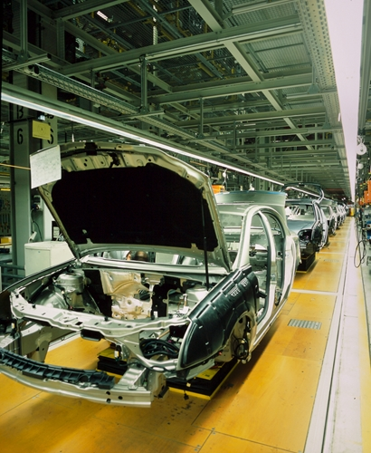 Auto companies are expanding their domestic manufacturing operations.